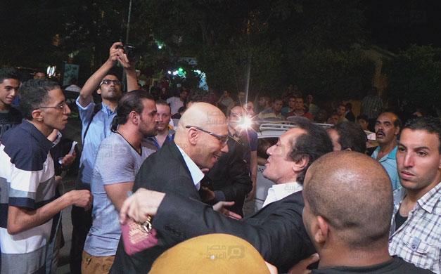 صور عزاء والد رامز جلال 10 18/8/2014 - 11:51 ص