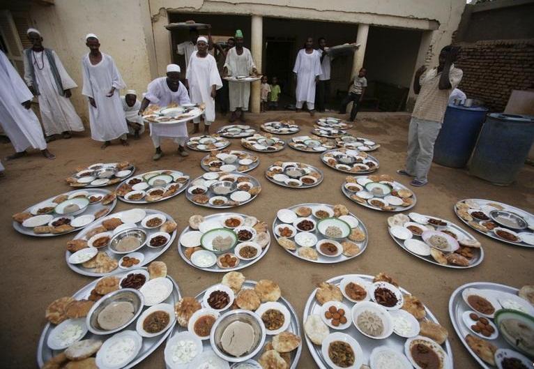 الحلو مر مشروب السودان المفضل في رمضان مصر العربية