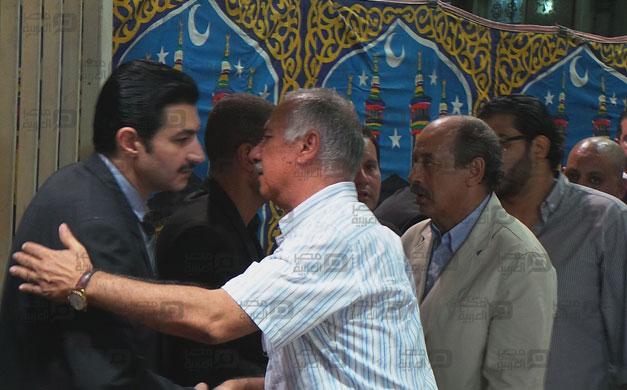 صور عزاء والد رامز جلال 5 18/8/2014 - 11:51 ص