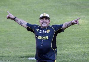 فيديو | لغز وفاة مارادونا.. «اتهامات هنا وهناك»