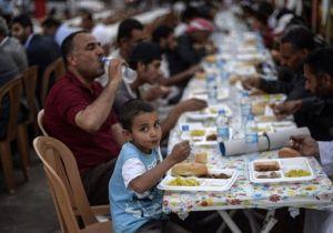 للعام الثاني على التوالي.. «رمضان» بلا موائد رحمن أو اعتكاف