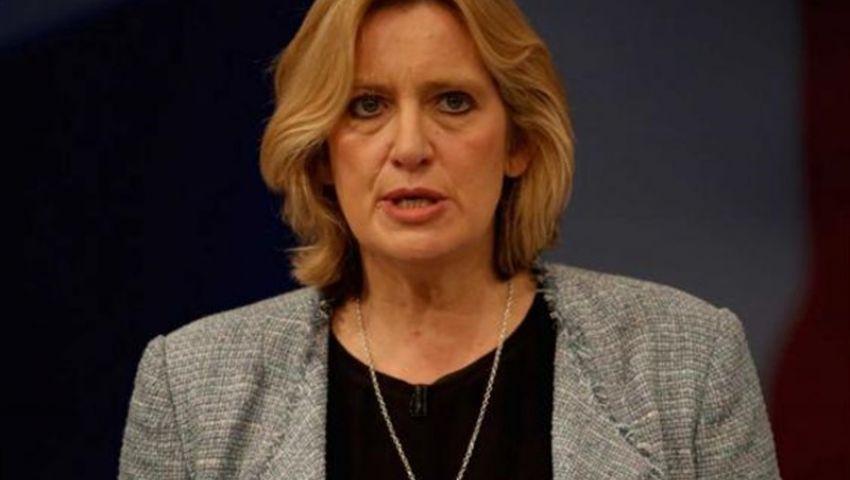 وزيرة الداخلية البريطانية: التشفير التام للرسائل الإلكترونية غير مقبول