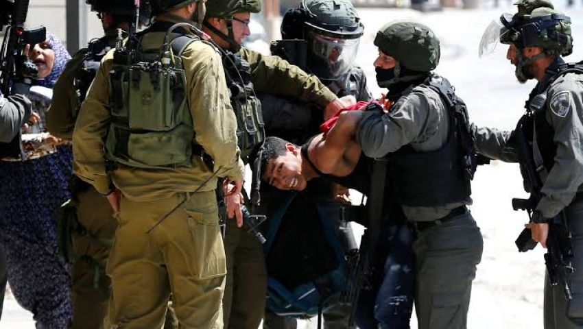بالاعتقالات الجماعية.. الاحتلال يفرغ ضفة فلسطين من أهلها