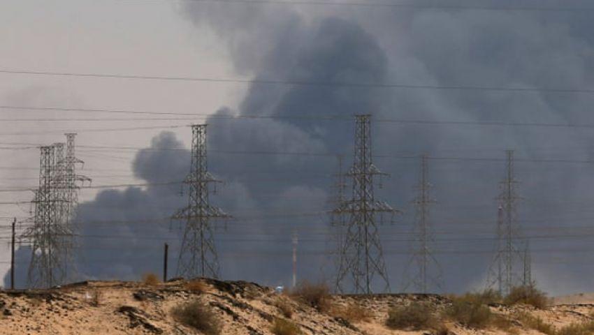 جارديان: هجوم بقيق ينسف فرص السلام مع الحوثيين