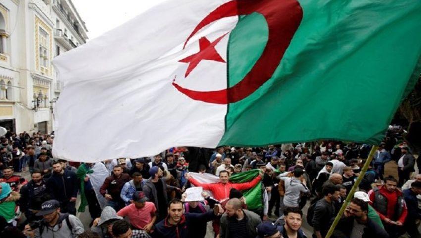 الجزائر.. تكليف شخصيات مستقلة لقيادة الحوار