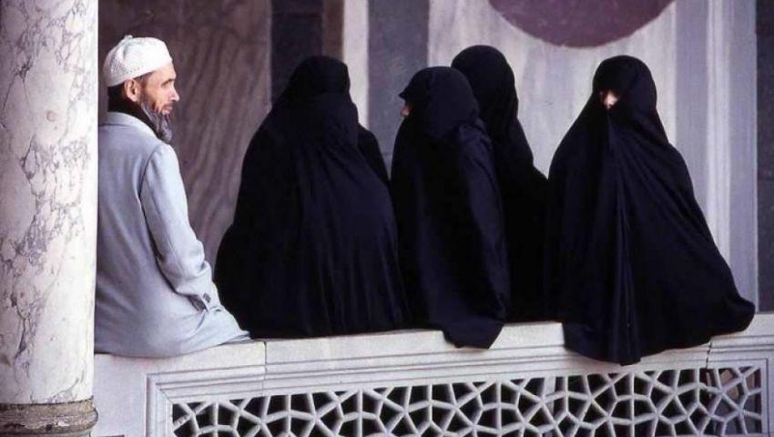 جدل حول تعدد الزوجات| شيخ الآزهر: يظلم المرأة.. وداعية سعودي: ضروري فى عصرنا