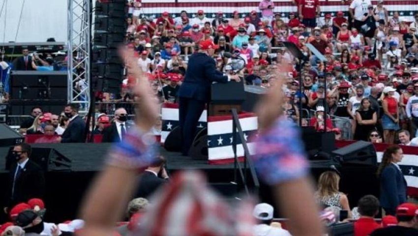 التجمعات الانتخابية.. ترامب يتجاهل كورونا وبايدن يشفي روح أمريكا