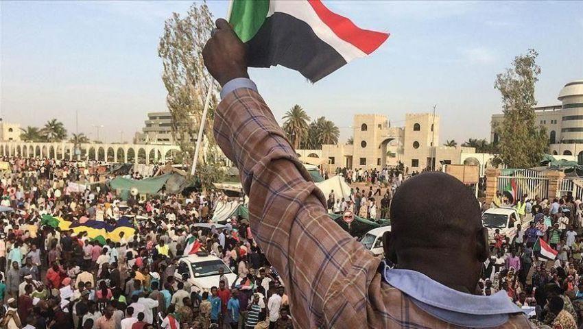 السودان.. «قوى الحرية والتغيير» تعلّق التفاوض مع المجلس العسكري