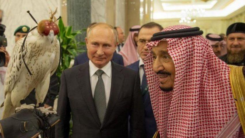 فيديو| «نجم الشمال» و«عطاء نجد».. الملك سلمان والرئيس الروسي يتبادلان الهدايا