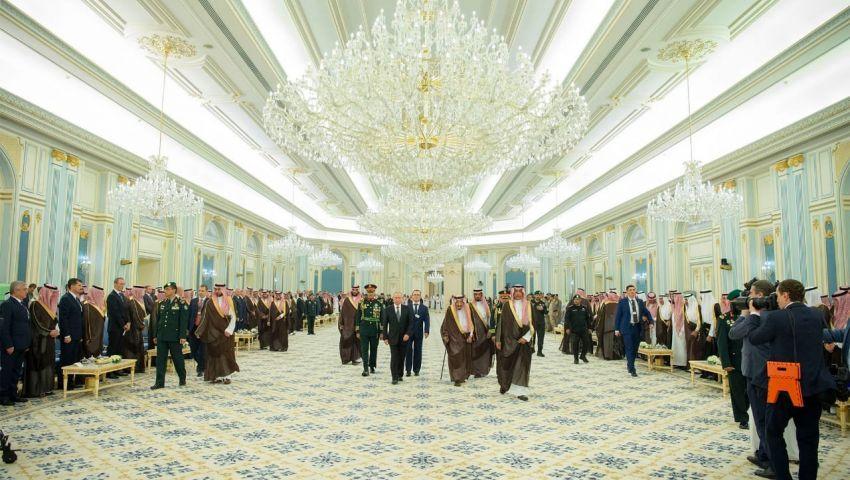 (تحليل) بوتين إلى السعودية  والإمارات.. كيف سيستفيد من الرياض وأبوظبي معًا؟