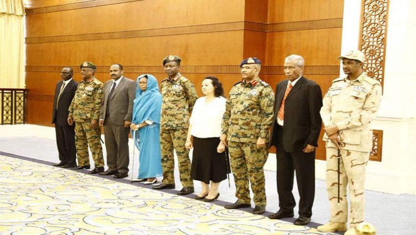 السودان.. هل يستمر زواج الإكراه بين المدنيين والعسكريين؟