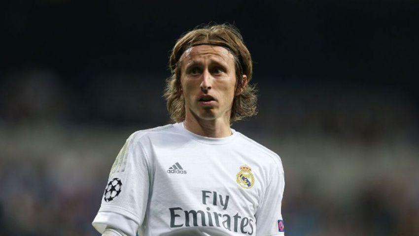 لاعب ريال مدريد السابق: سنبكي على اعتزال مودريتش