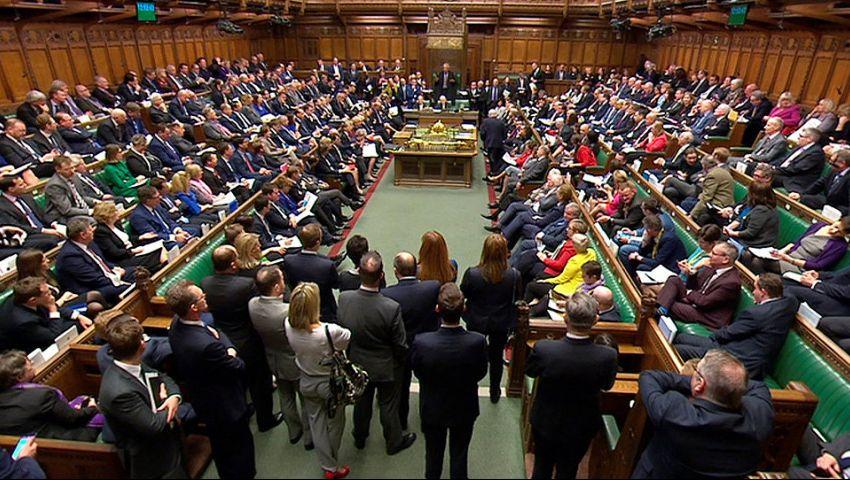 «العموم البريطاني» يرفض طلب جونسون إجراء انتخابات مبكرة