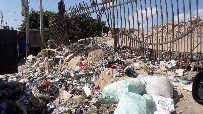 «محطة مصر» بعروس البحر المتوسط.. تحاصرها الفوضى والمخلفات