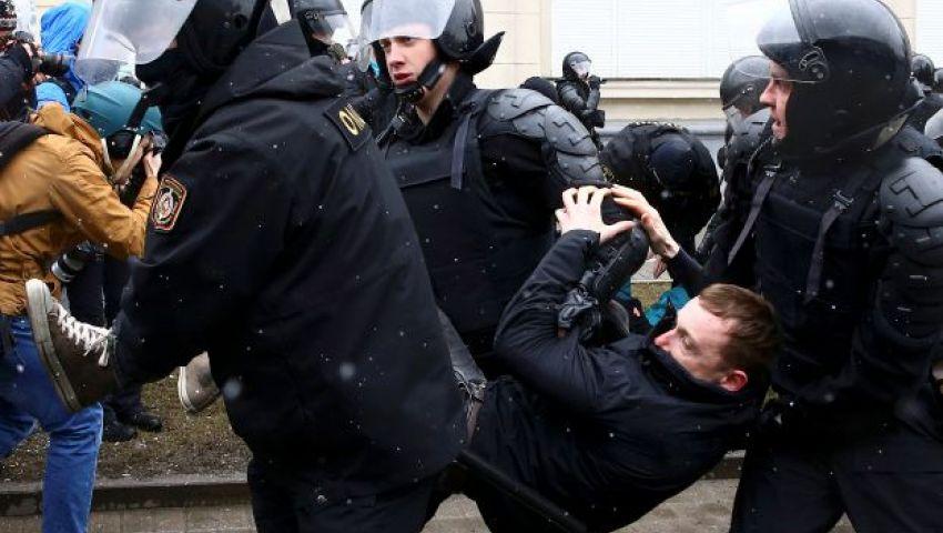 الاتحاد الأوروبي يطالب روسيا بإطلاق سراح المعتقلين