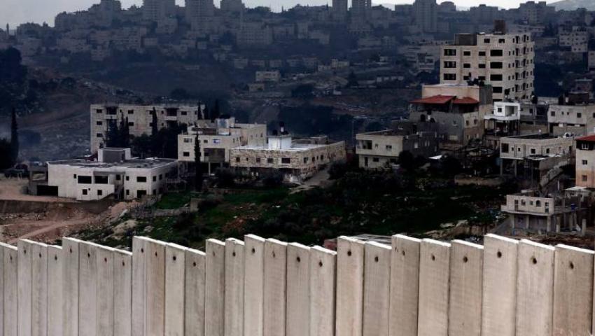 ببناء 12 ألف مستوطنة بالضفة.. الاحتلال يسرق أرض فلسطين