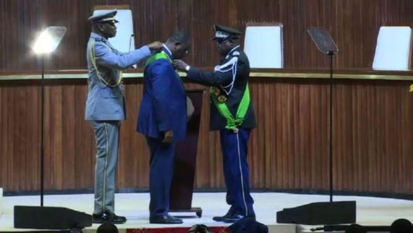 فيديو| رئيس السنغال يؤدي اليمين الدستورية لولاية ثانية.. دعا إلى حوار شامل ومفتوح
