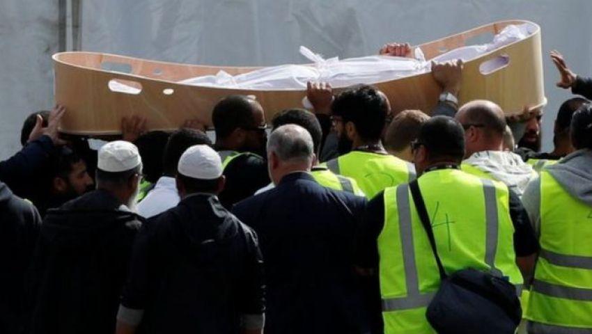 فيديو| تطورات جديدة في مجزرة نيوزيلندا.. وتشييع لاجئ سوري وابنه