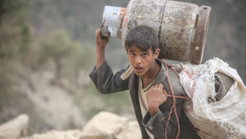 بطون اليمنيين.. أمعاء تقصفها حرب الشرعية والانقلاب