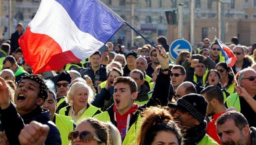 توقيف 126 شخصًا.. مواجهات بين الشرطة و«السترات الصفراء» في باريس