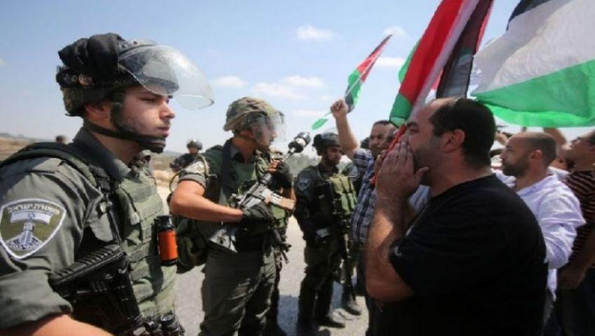 فيديو    حالات اختناق وإصابات.. الاحتلال يفرق وقفة احتجاجية في الضفة