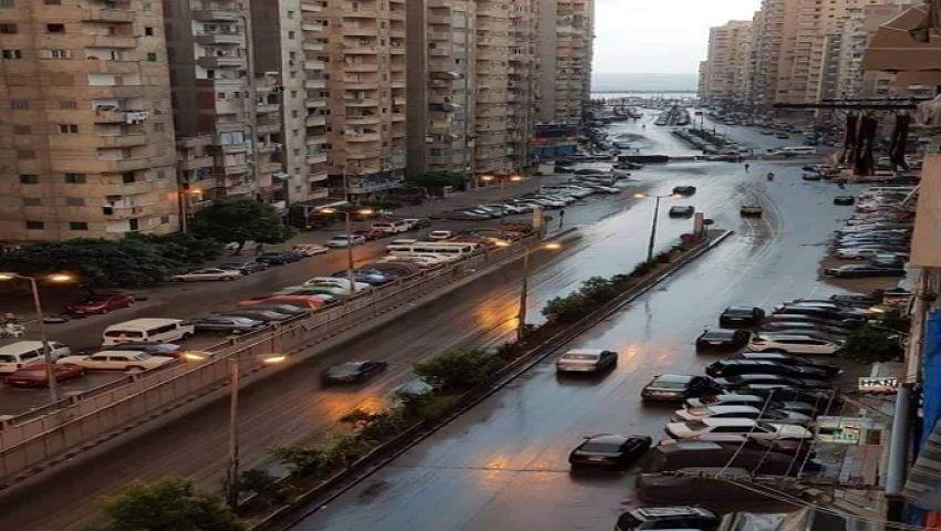صور| رجعت الشتوية.. أمطار متوسطة على الإسكندرية