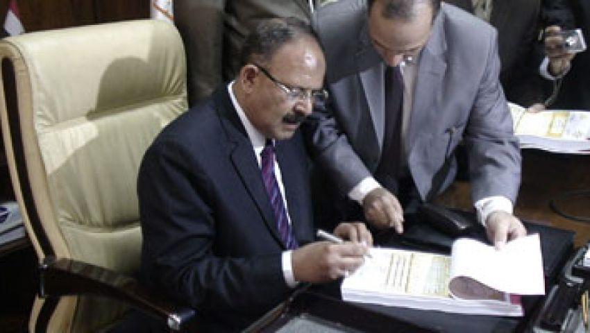 وزير الداخلية يتقدم جنازة أحمد رشدي