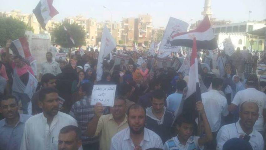 سلاسل بشرية بالزقازيق ضد الانقلاب