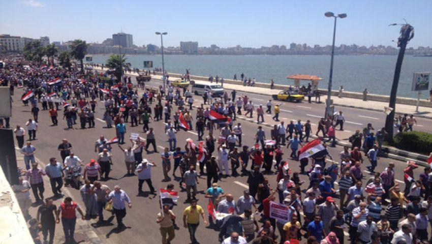 مسيرات مؤيدة ومعارضة بالإسكندرية ومحاولات لتفادي العنف