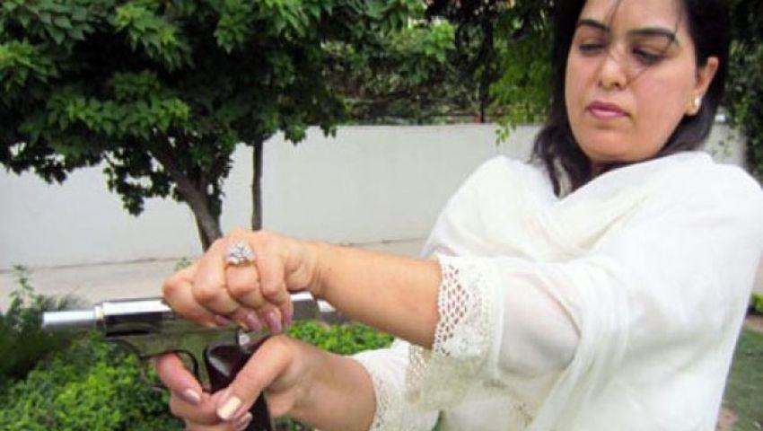 فيديو.. الهند تبتكر مسدسًا لحماية النساء من الاغتصاب