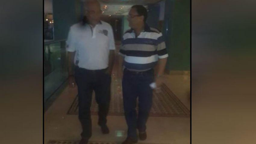 عبد الرحيم علي  ينشر صورة له مع شفيق في دبي