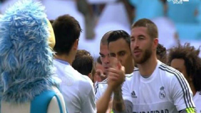 صور.. رسائل دعم من نجوم ريال مدريد وإسبانيول للاجئي سوريا