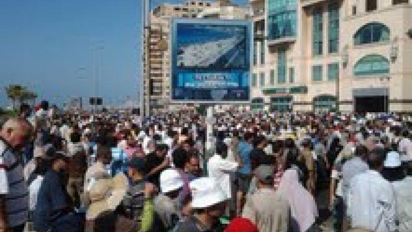 نشطاء يشيعون جثمان عضو الدستور بالإسكندرية