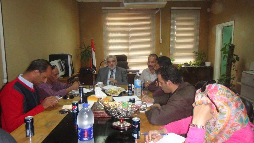 عميد طب القناة: سنتعامل بالقانون مع ممارسي السياسة بالكلية