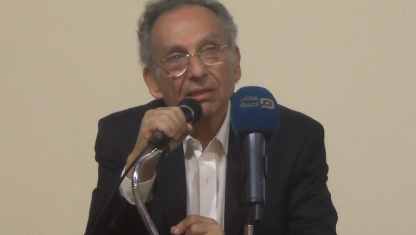 بلاغ ضد ممدوح حمزة.. والتهمة مش بيصدق السيسي