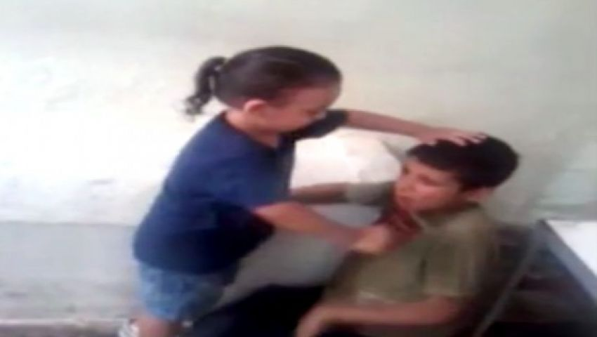 فيديو.. إهانة الطفل السوري يشعل اليوتيوب