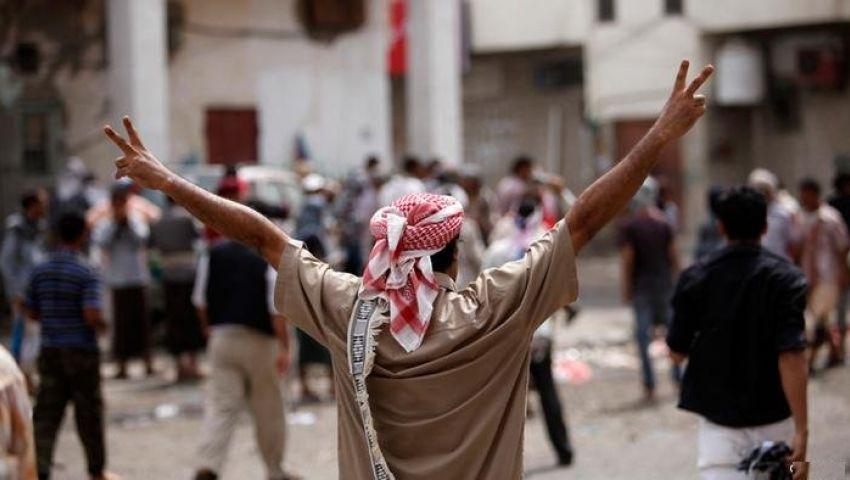 التصعيد مقابل التنازل .. معادلتا الصراع بين الحوثي والسلطة في اليمن