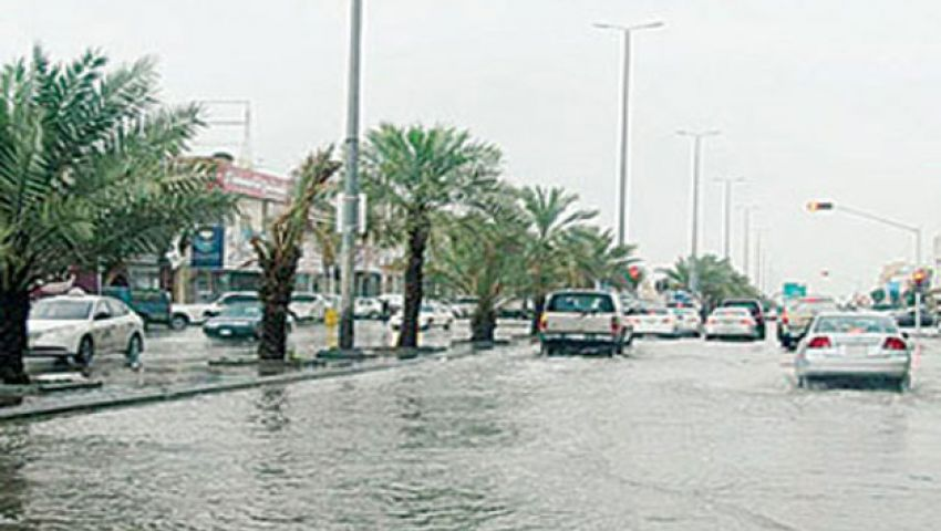 طقس غير مستقر يربك الخليج