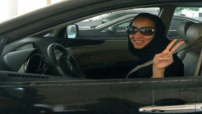 فيديو.. سعوديات يقدن سيارات رغم الحظر