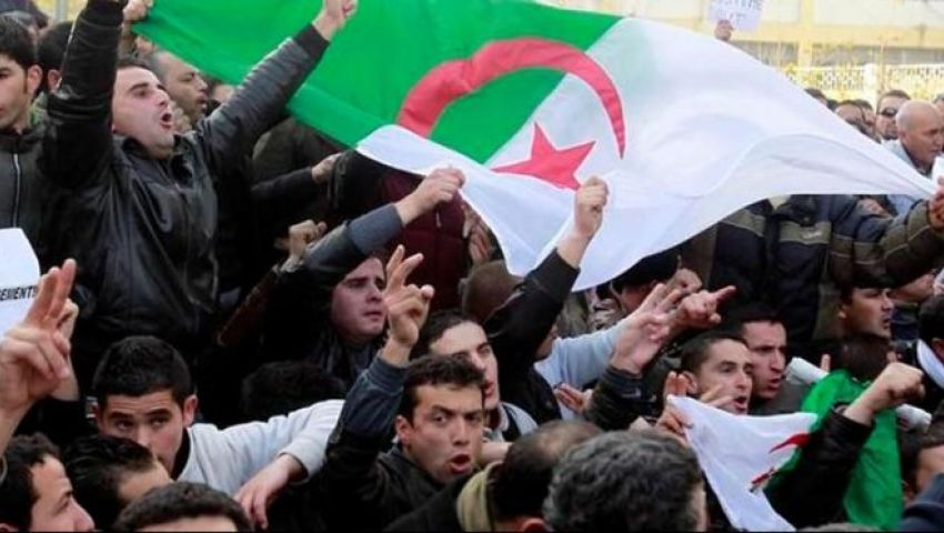 إيقاف جميع وسائل النقل في الجزائر تزامنامع احتجاجات الجمعة التاسعة للحراك