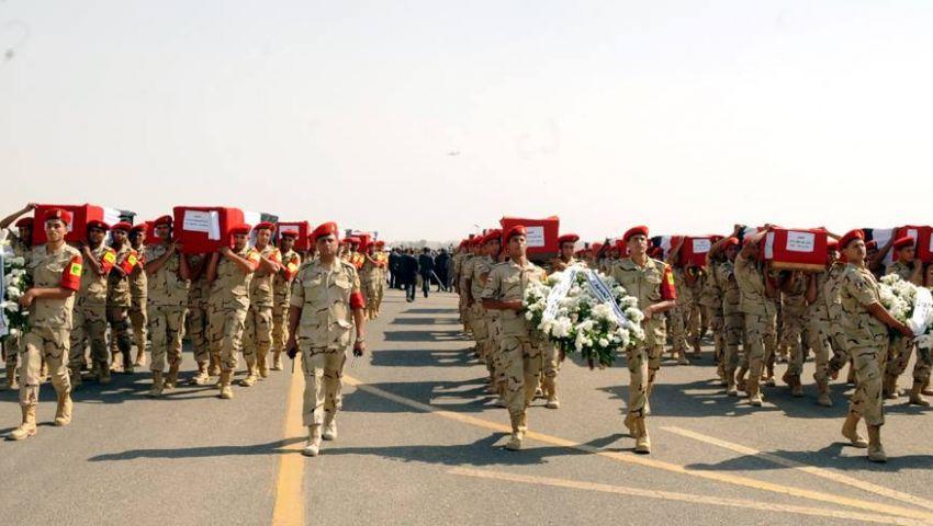 بالفيديو..جنازة ضحايا كمين كرم القراديس العسكرية