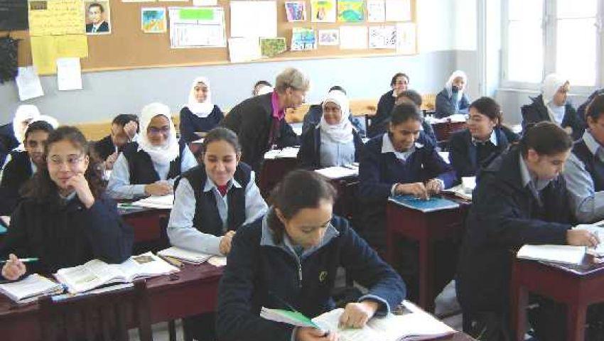 تأجيل تطبيق نظام الفصلين الدراسيين بالنسبة للمصريين في الخارج
