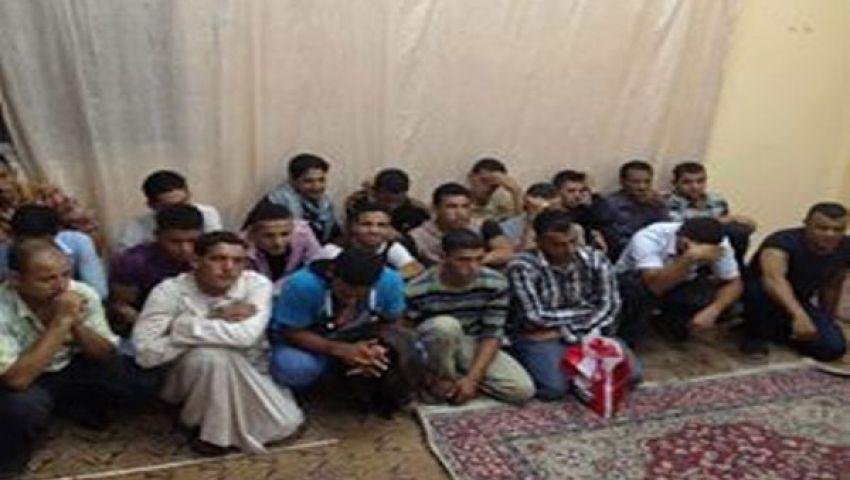 بالصور.. إحباط هجرة 20 شابًا لليبيا