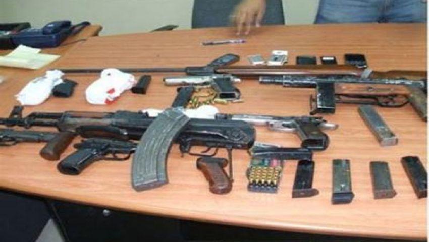 ضبط أسلحة نارية وبيضاء في حملة أمنية بدمياط