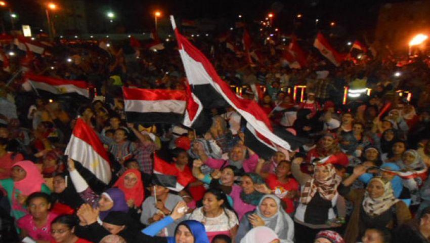محافظ البحر الأحمر العسكري يحتفل بعزل مرسي
