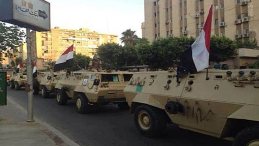 الجيش يغلق حركة المرور المؤدية لميدان النهضة