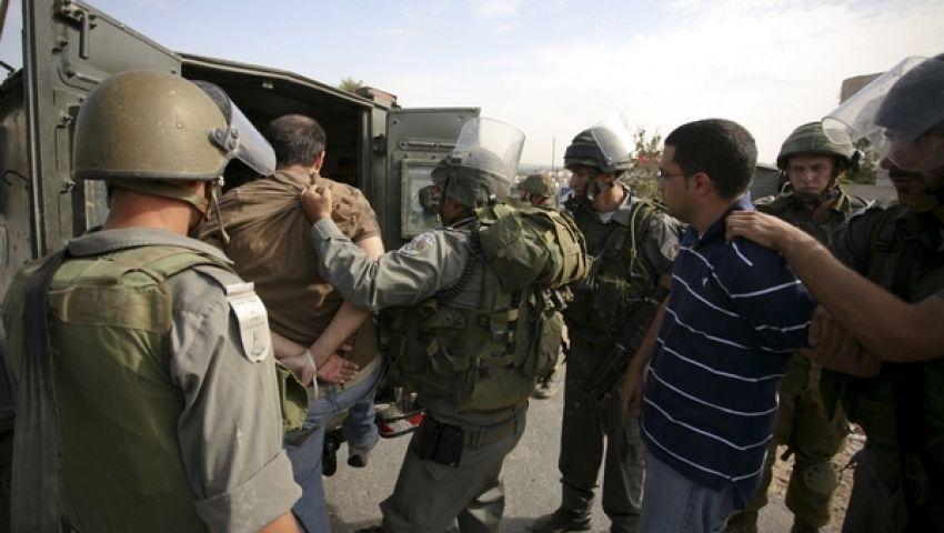 إصابة فلسطيني برصاص الاحتلال واعتقال 2 بالضفة