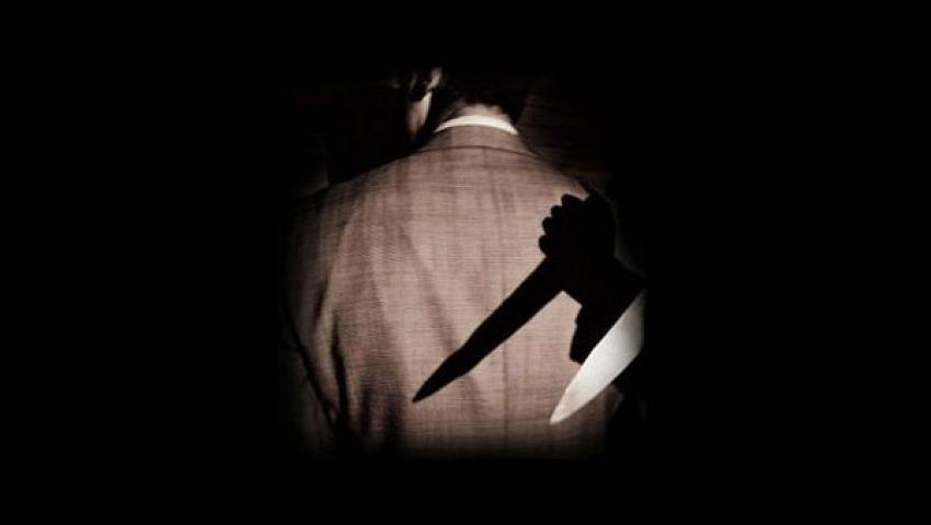 طبيب يحاول الاعتداء على وزير بـسكين