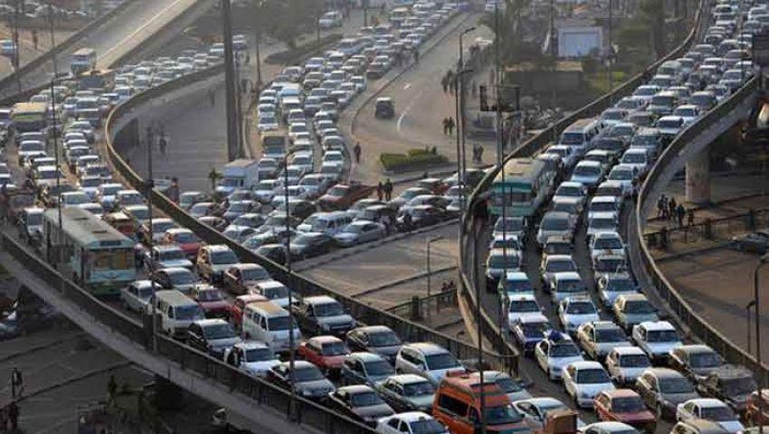 كثافات مرورية بمعظم محاور القاهرة والجيزة