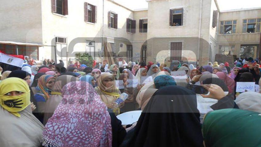 مسيرة لطالبات الدراسات الإسلامية والآداب فى أزهر دمنهور